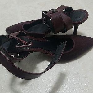 Ankle strap heals good condition